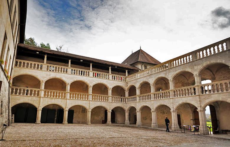 Randonnée VAE Tour du château de Clermont